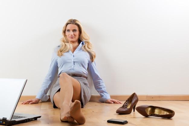 Geschäftsfrau zu hause