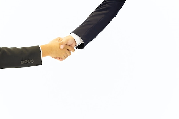 Geschäftshand, welche die hand erfolgreich bei der sitzung lokalisiert im weißen hintergrund rüttelt.