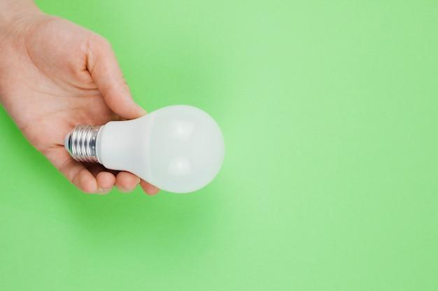 Geschäftskonzept mit glühbirne