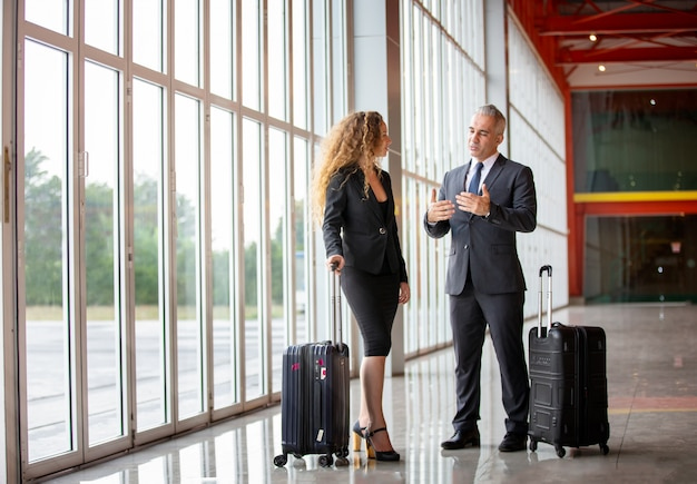 Geschäftsleute auf reisen