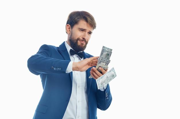Geschäftsleute geld in der hand studio emotionen
