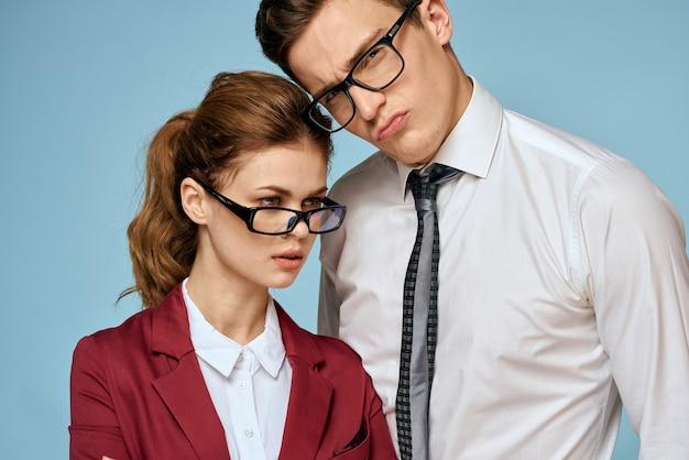 Geschäftsleute in formeller kleidung