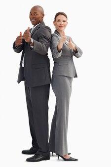 Geschäftsleute mit daumen hoch