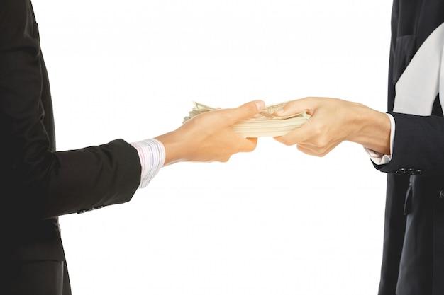Geschäftsleute mit geld in händen