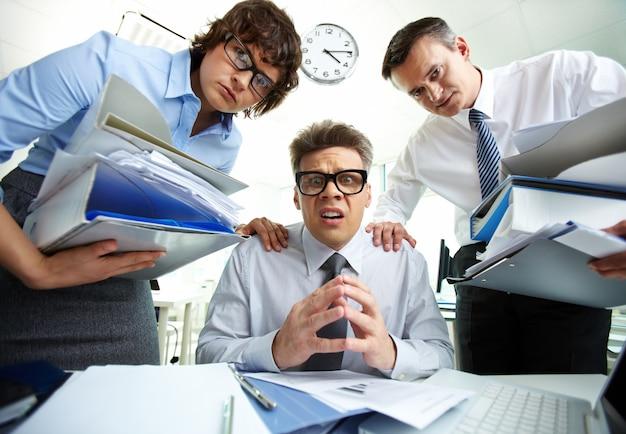 Geschäftsleute probleme in office