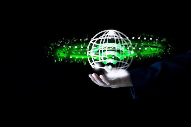 Geschäftsleute verwenden die drahtlose internettechnologie, um das konzept des schnellen wlan-netzwerksignals zu verbinden