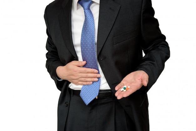 Geschäftsmann, der unter magenschmerzen leidet.