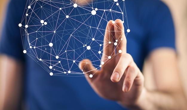 Geschäftsmann, der virtuellen bildschirm mit cyber-symbol berührt
