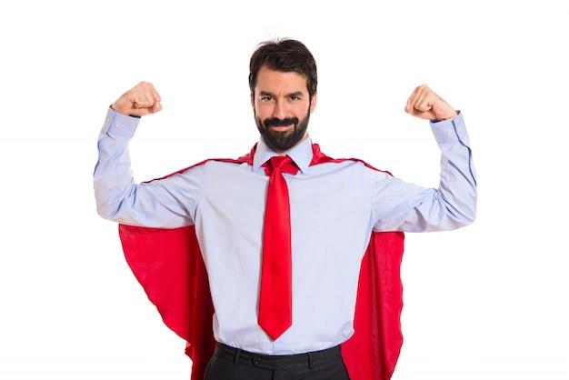Geschäftsmann gekleidet wie superheld mit daumen nach oben