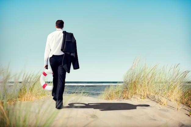 Geschäftsmann-ruhiges abandon relaxation travel concept