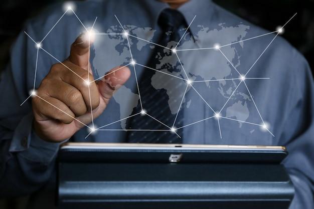 Geschäftsmann schreiben soziales netzwerk