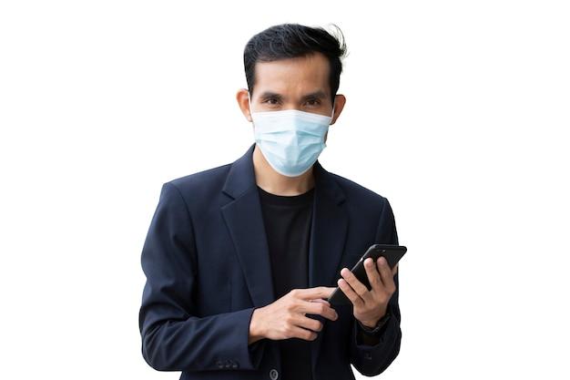 Geschäftsmann trägt gesichtsmaske weißen hintergrund, mann medizinische maske