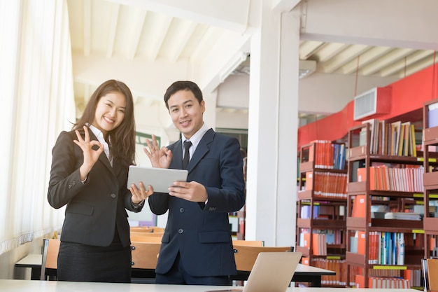 Geschäftsmann und sekretärin