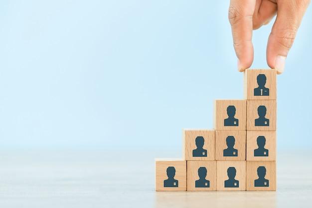 Geschäftsstrategie, um in der heutigen hochaktiven geschäftspraxis erfolgreich zu sein.