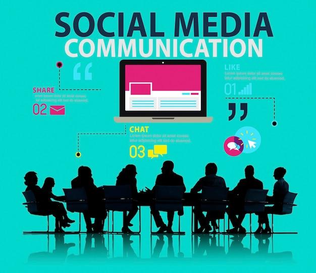 Geschäftstreffen über social media kommunikation