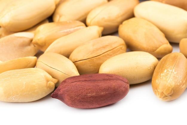 Geschälte erdnüsse für hintergrund. draufsicht, nahaufnahme