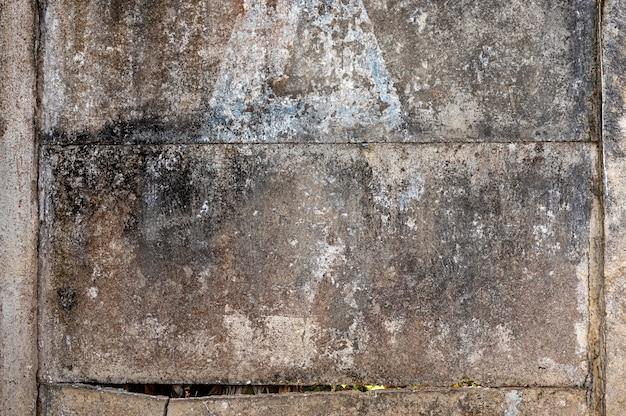 Geschälte wand, ziegel, wandstruktur, kann als hintergrund verwendet werden. backsteinstruktur mit kratzern und rissen.