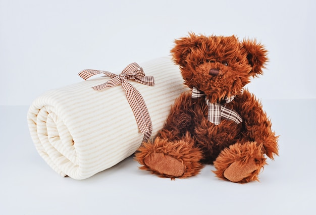 Geschenk für neugeborene konzept
