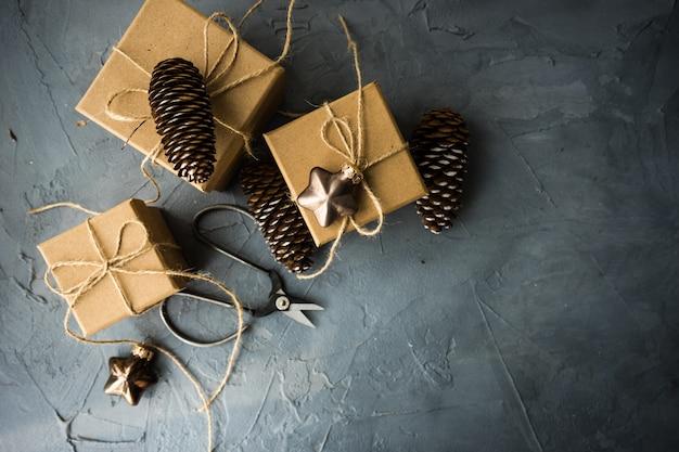 Geschenkbox auf beton