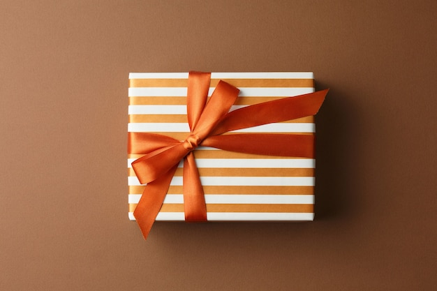 Geschenkbox aus geschenkpapier