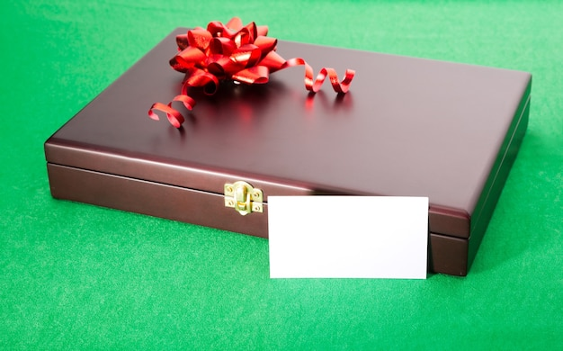 Geschenkbox mit leerer karte
