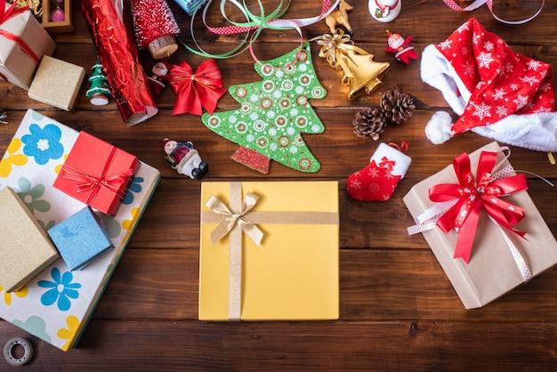 Geschenkbox wurde in der weihnachtszeit gegeben.