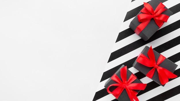 Geschenkboxen cyber montag konzept kopieren platz