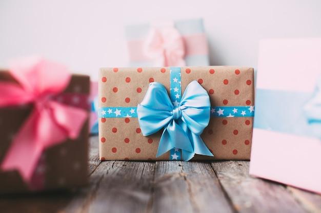 Geschenkboxen sind handgefertigt