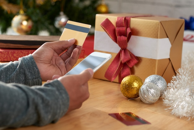Geschenke kaufen über mobile app