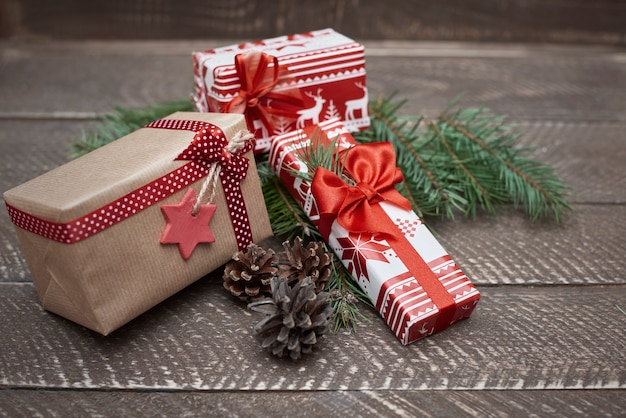 Geschenke warten auf die weihnachtszeit