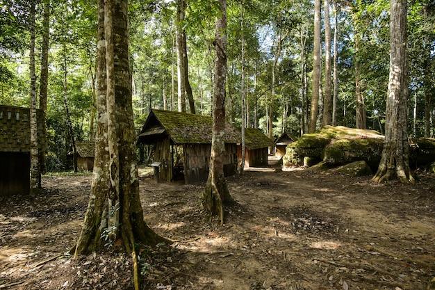 Geschichtsplatz und natur in thailand