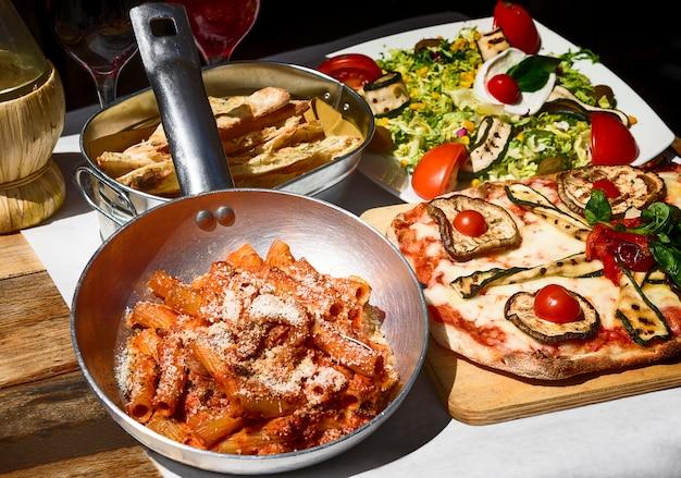 Geschmecktes und berühmtes italienisches essen