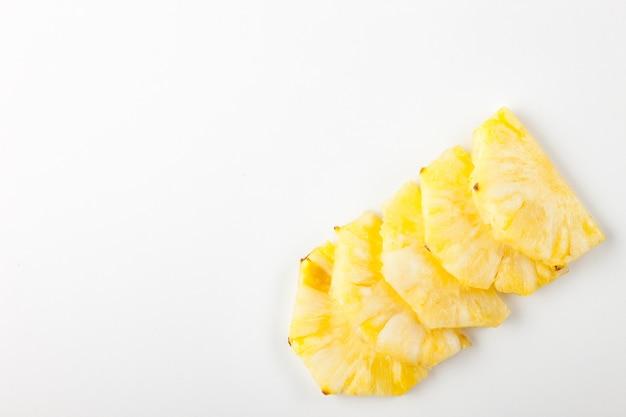 Geschnittene ananasscheiben