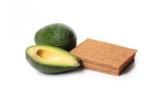 Geschnittene avocado isoliert