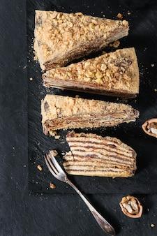Geschnittener selbst gemachter honey cake