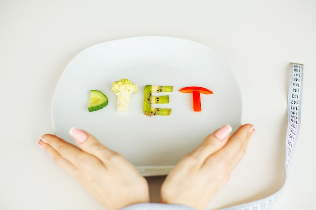 Geschrieben mit gemüse in gesundes nahrungskonzept