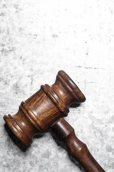 Gesetz zusammensetzung