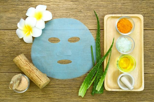 Gesichtsbehandlung im thai-spa-stil.
