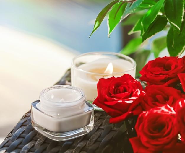 Gesichtscreme feuchtigkeitscreme als haut- und körperpflege luxusprodukt home spa und bio beauty kosmetik...
