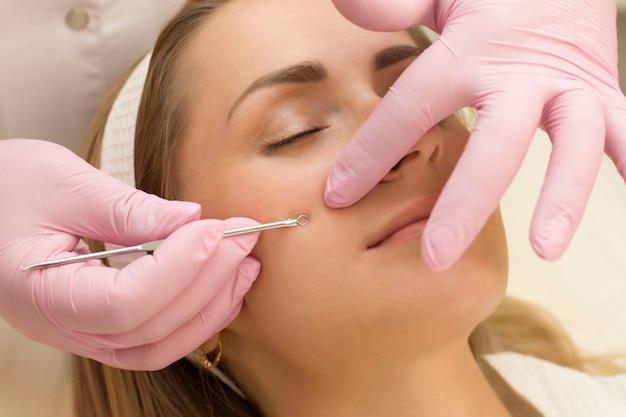 Gesichtspflege im salon