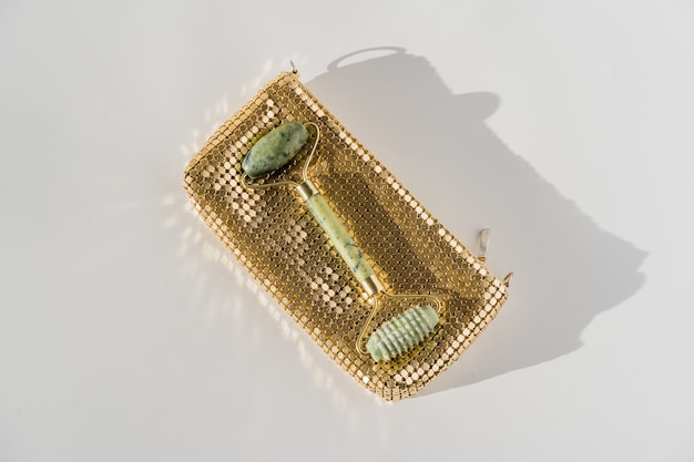 Gesichtsquarzrolle für anti-aging-gesichtsmassage, chinesisches guasha-schönheitswerkzeug.