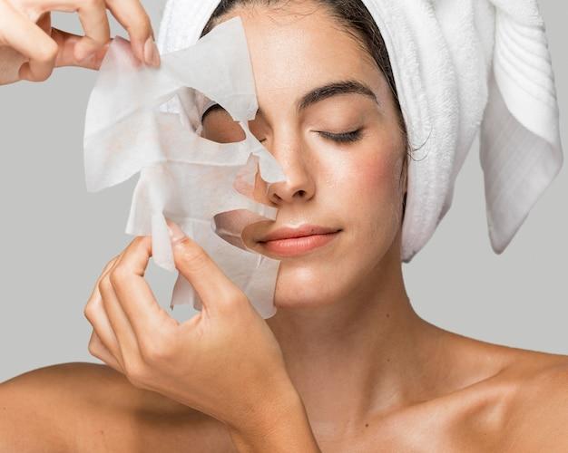 Gesichtsschönheitsmaske selbstpflege zu hause