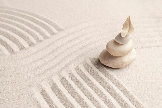 Gestapelter zen-marmorsteinsandhintergrund im achtsamkeitskonzept