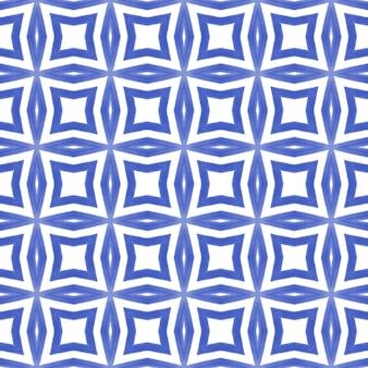 Gestreiftes handgezeichnetes muster. indigo symmetrischer kaleidoskophintergrund. wiederholte gestreifte handgezeichnete fliese. textilfertiger originaldruck, bademodenstoff, tapete, verpackung.