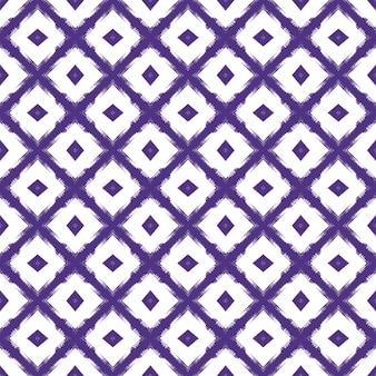 Gestreiftes handgezeichnetes muster. lila symmetrischer kaleidoskophintergrund. wiederholte gestreifte handgezeichnete fliese. textilfertiger dezenter druck, bademodenstoff, tapete, verpackung.
