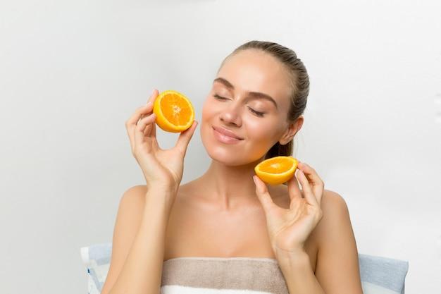 Gesunde augen mit einer gesunden frucht