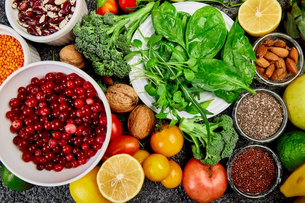 Gesunde ernährung, trendige alkalische diätprodukte.