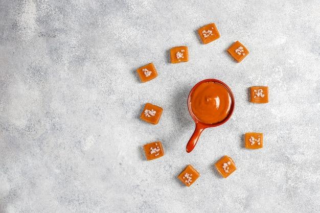 Gesunde köstliche hausgemachte karamellbonbons