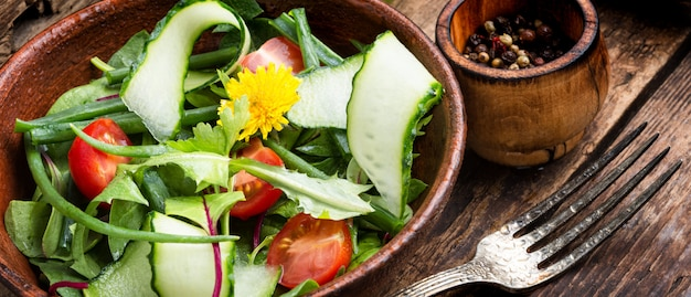 Gesunde salatschüssel