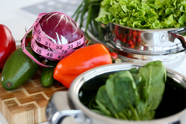 Gesunde sortierte kulinarische gemüse-zutat